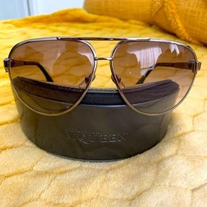 🔥🔥100% authentic Alexander McQueen sunglasses